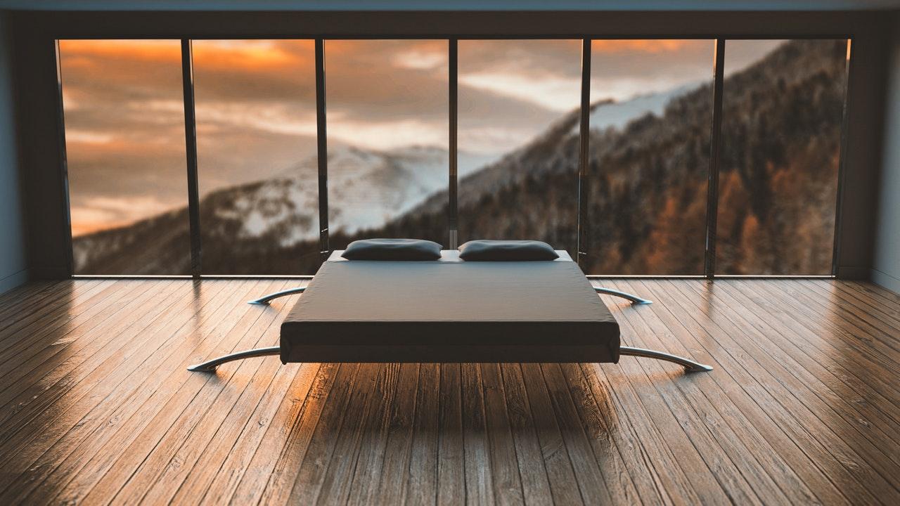 Säng i rum